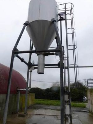 Insulated Stainless Steel Silo+ feet, height under outlet Ø500mm: H:3000mm
