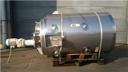 Used  SS304 insulated tank 1000 liters with heating jacket met agitator 1,5kW