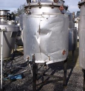 800 Litre, Mild Steel, Vertical Base Tank